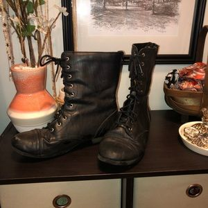 Women's Size 6 Target Combat Boots